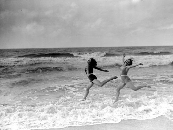 Dancing_on_the_Beach_1