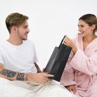 6 cosas que le gusta a un hombre que le regalen