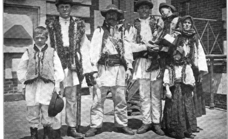 Imagini pentru primii emigranti romani in america