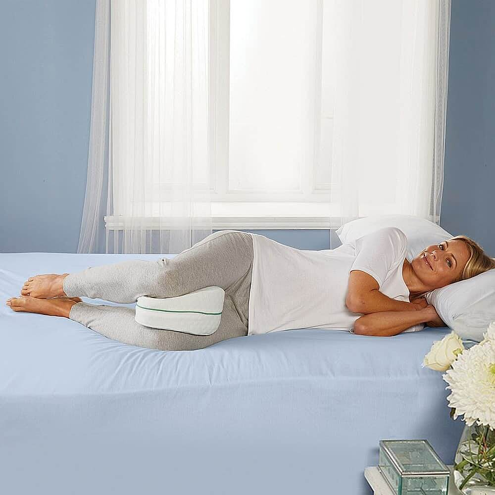 airflow curved knee pillow