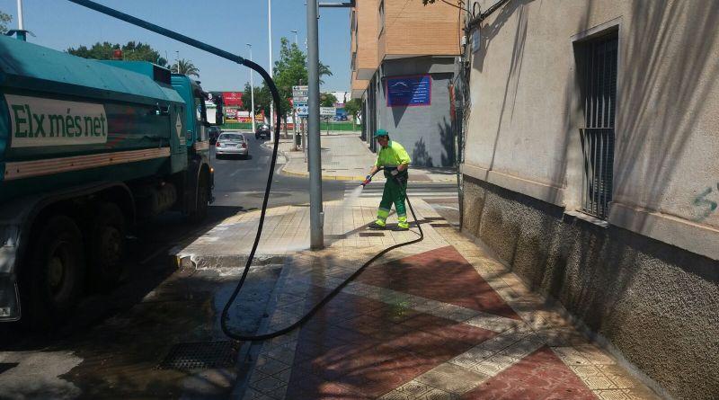 El Ayuntamiento invierte 690.000 euros en la mejora del servicio de limpieza en barrios y pedanías