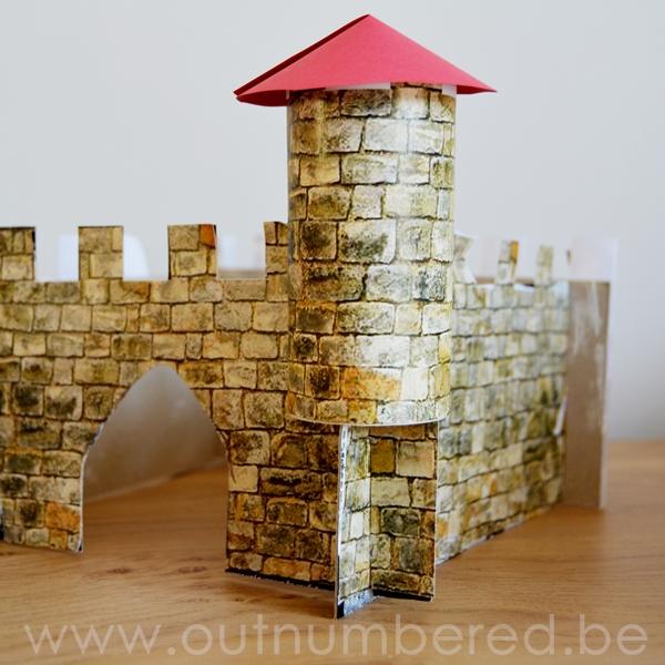 Activităti creative ușor de executat cu copii: Cum să faci un castel din hârtie?