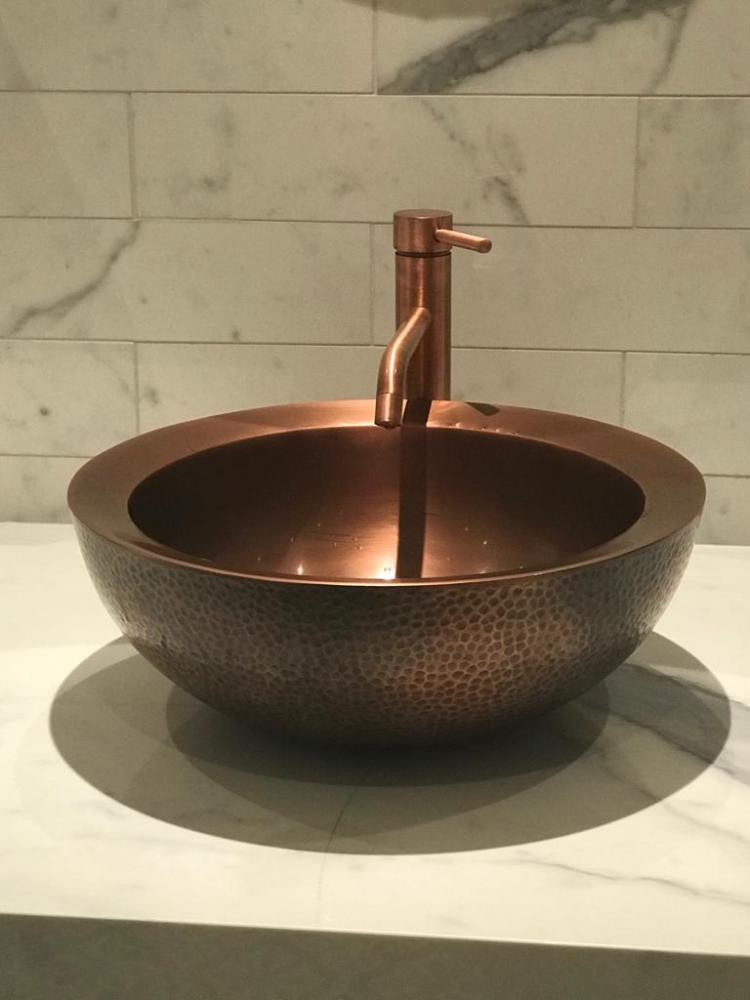 Double Wall Copper Sink Outside Hammered Inside Smooth In situation Pic