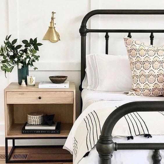 Stunning Pottery Barn Coleman Bed