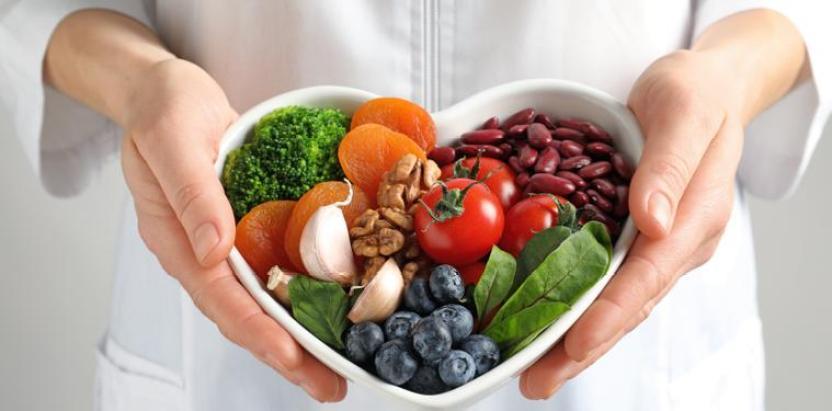 La importancia de la alimentación durante las vacaciones de verano |  Clínica Corachan
