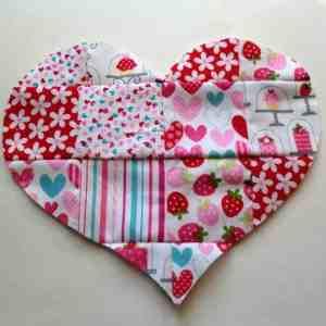 DIY-Valentines-Day-Patchwork-Heart-Applique