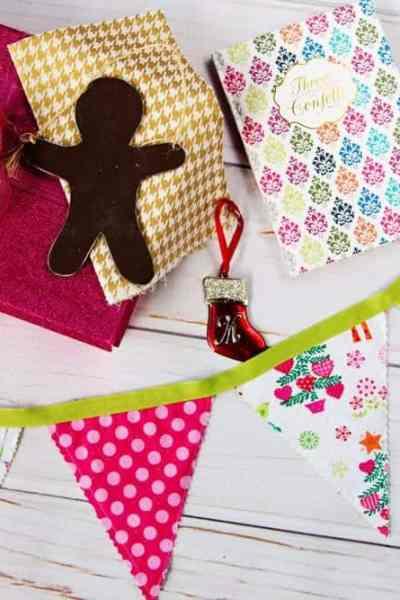 DIY Christmas Fabric Pennant Banner Tutorial – Easy pinked edges