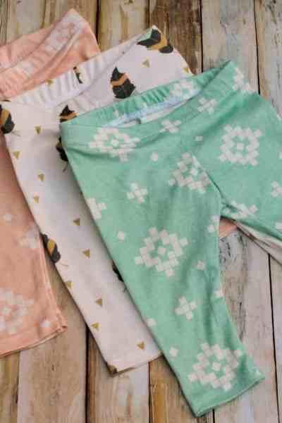 DIY Baby Leggings – Sewing DIY Christmas Baby Gifts!