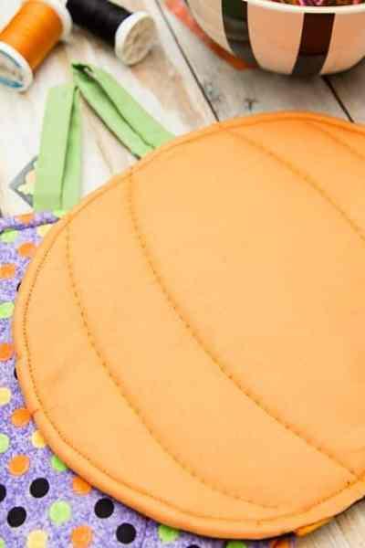 DIY Halloween Pumpkin Pot Holder Tutorial – Make-a-Palooza Day 3