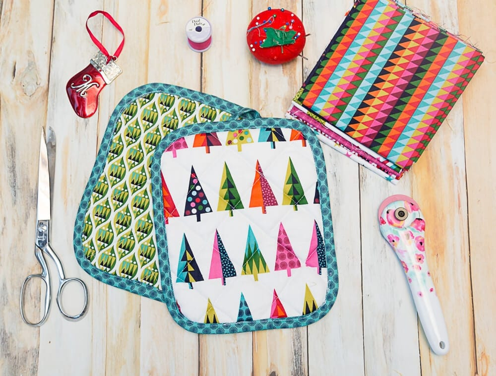 Christmas Pot Holders An Easy Last Minute Gift To Sew Coral Co