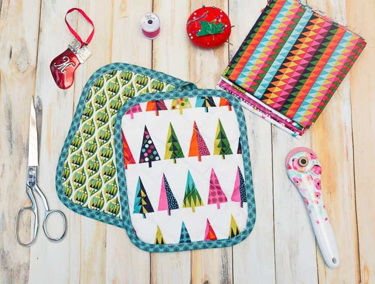 Quilted Christmas Pot Holders  - An Easy Last-Minute Gift To Sew