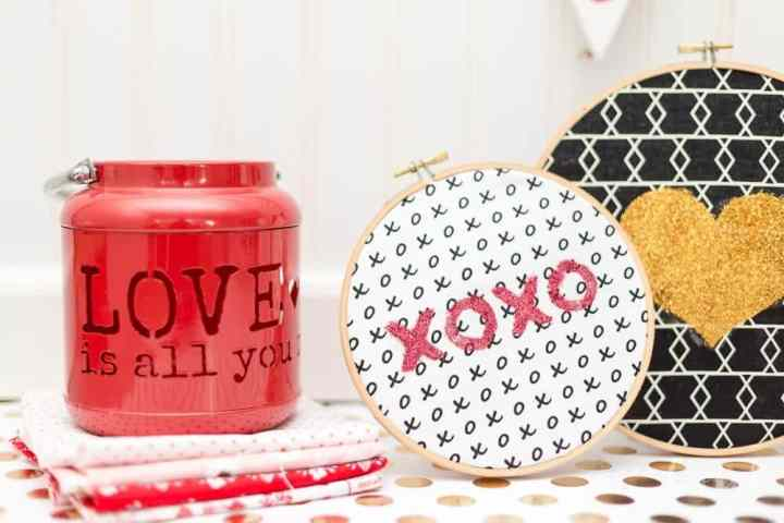 valentines-day-glitter-art-tutorial-coral-and-co