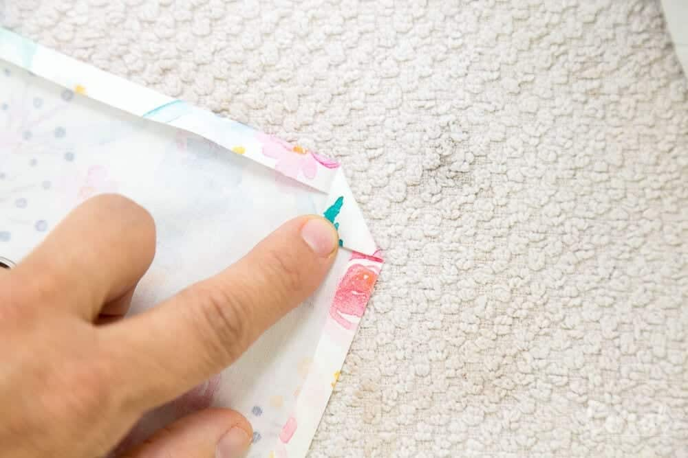 how-to-make-napkins-with-mitered-corner