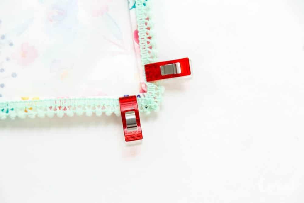 diy-pom-pom-trim-cloth-napkins