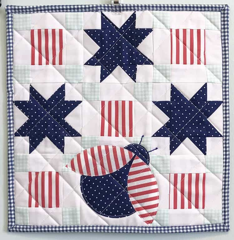 patriotic-mini-quilt-sew-can-she
