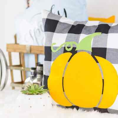 diy-halloween-pumpkin-pillow