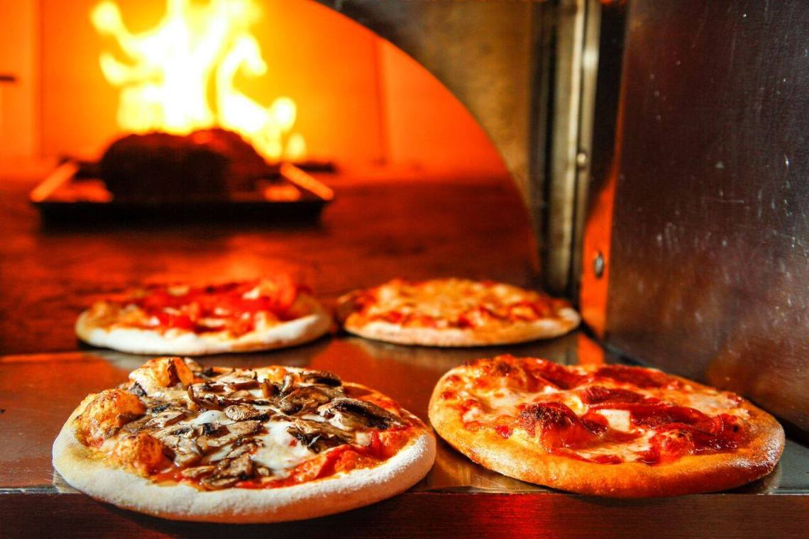 Cibo Winebar Coral Gables Oven Pizzas. Click to read more or pin and save for later! Miami | Coral Gables restaurant