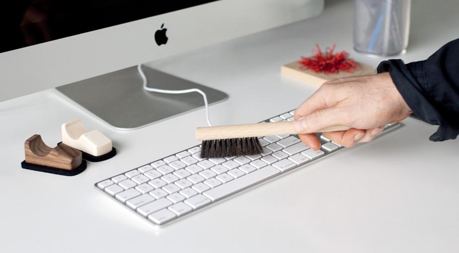 Little Brush for Keyboard Luminaire