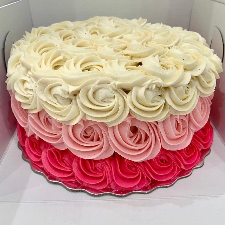 Buttercream Cupcakes rose icing Miami, Florida amazing special occasion birthday cake