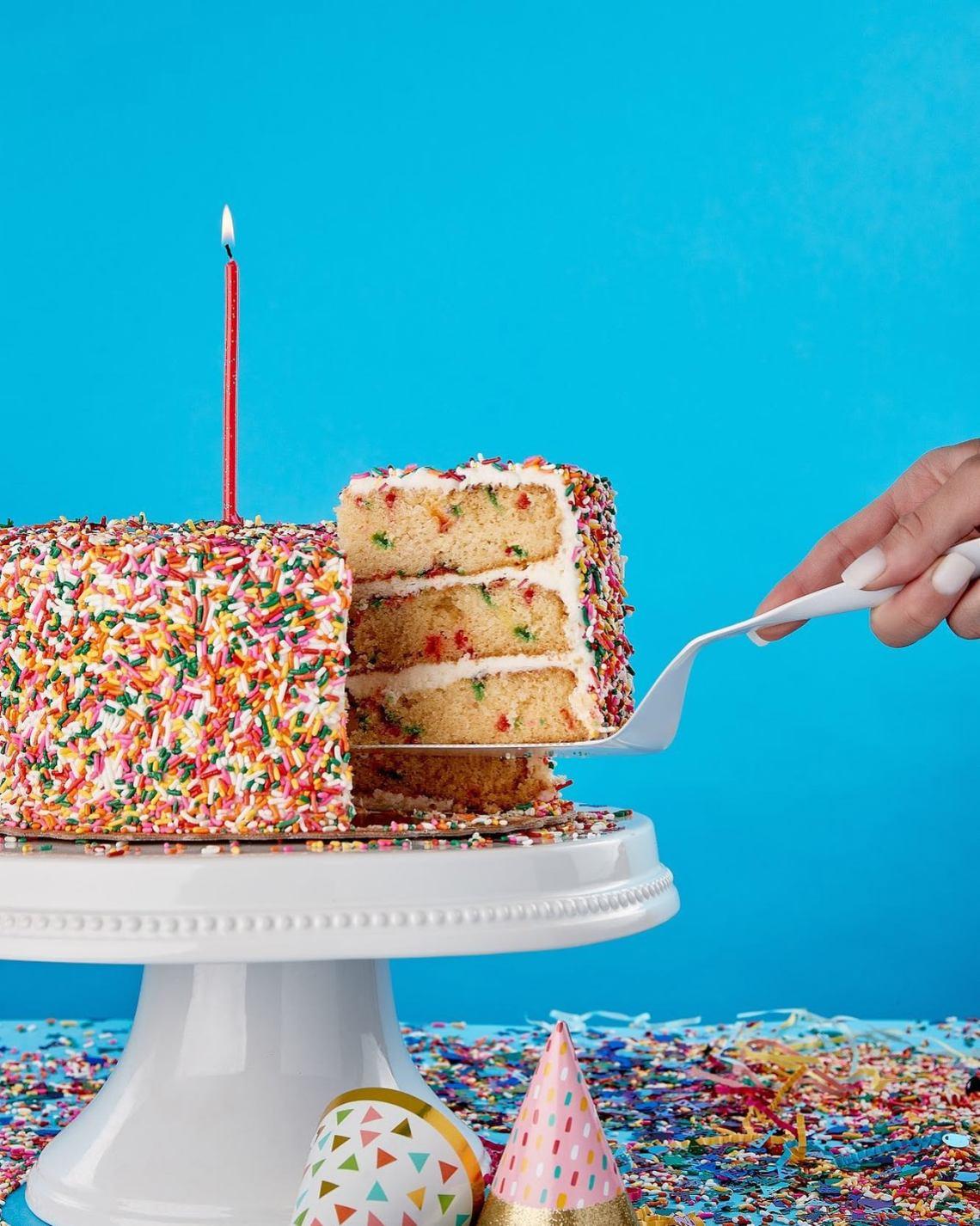 Miami Desserts: Fireman Dereks Bake Shop birthday cakes