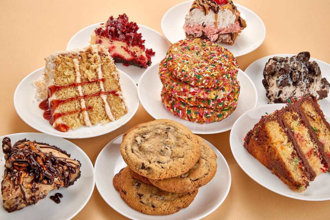 Miami DEsserts: Fireman Dereks Bake Shop cookies, pies, and cakes