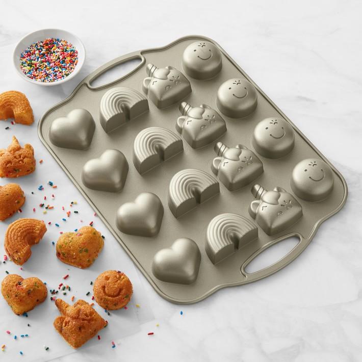 Best Baking Gifts unicorn rainbow heart bake pan