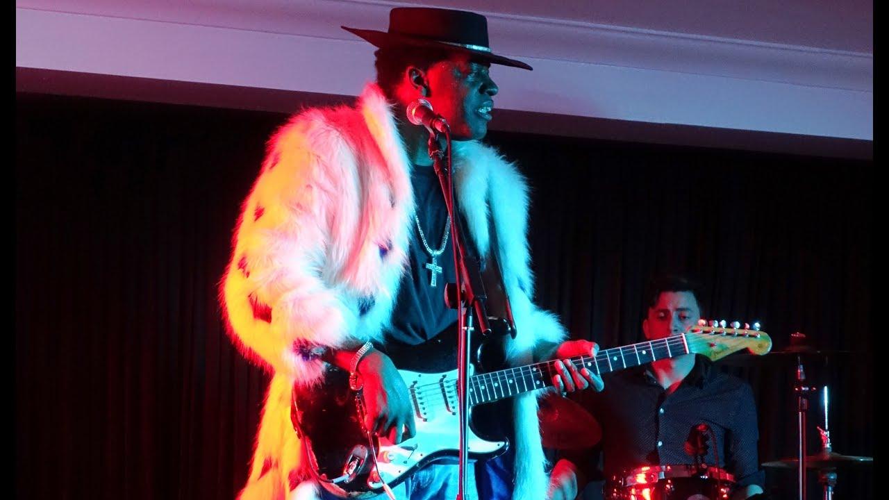 Carvin Jones Does His Jimi Thang @ The Beaverwood Club 20/11/2018