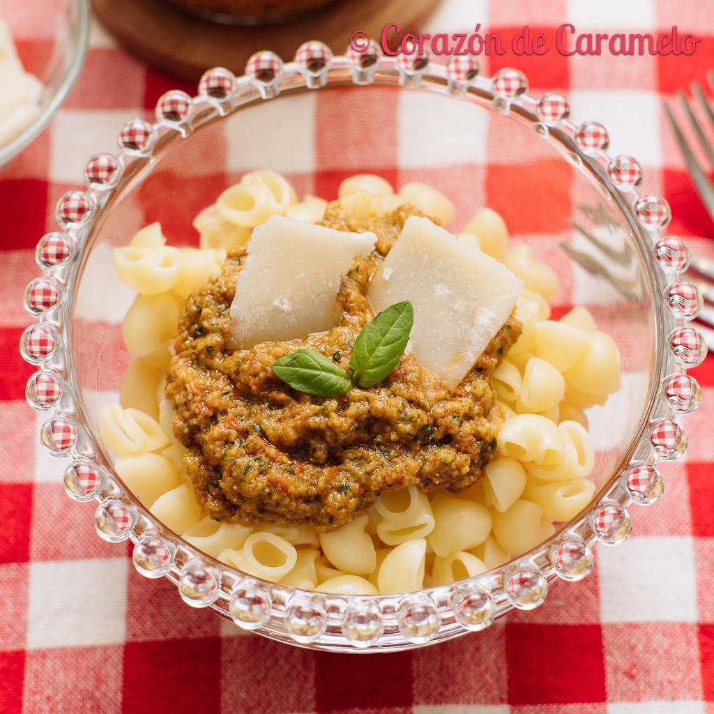Pasta con pesto de tomates secos | receta italiana