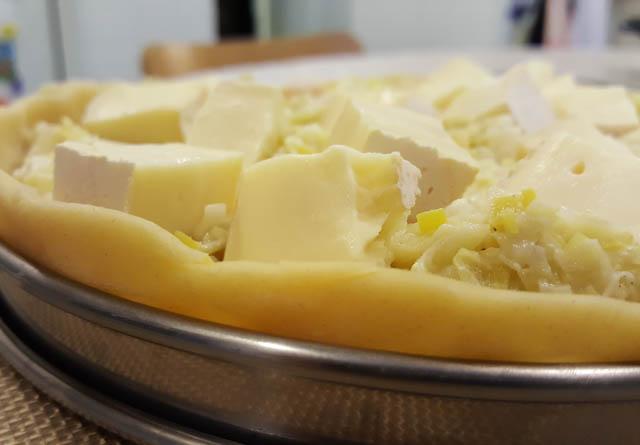 Tarta de puerros y queso reblochon | Receta francesa
