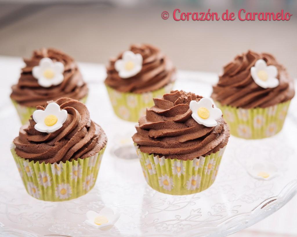 Cupcakes con té trufa montada