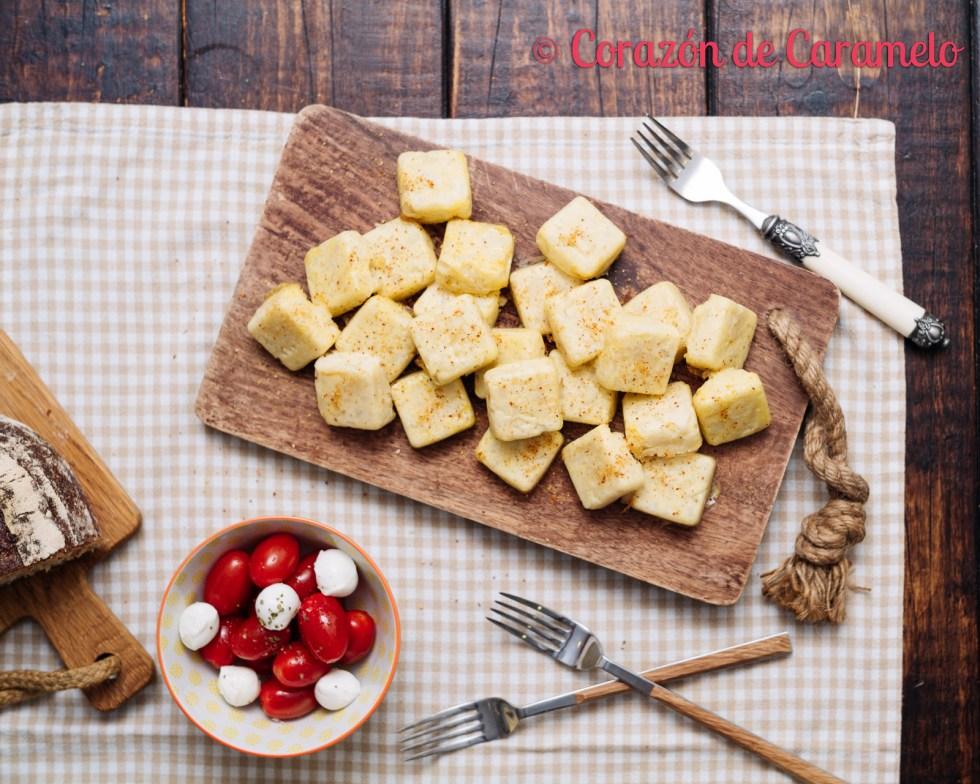 Tortilla de patatas con microondas en dos versiones | Receta ligera