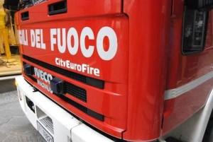 carabinieri incendio pompieri castelvieto cronaca