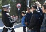 Scuola, a Corciano l'educazione stradale si fa per strada con i vigili docenti per un giorno