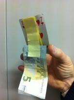 soldi furto ladro