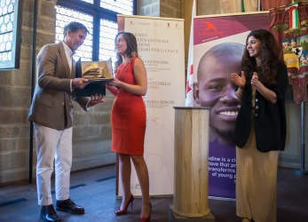 A Brunello Cucinelli il Premio Internazionale Rondine Preziosi per la Pace consegnato dal Ministro Boschi 3