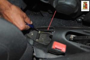 Cocaina nel freno a mano, 34enne senza precedenti arrestato nei pressi del Quasar 3