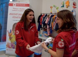 """""""Tree of Life"""", successo per l'inaugurazione del Charity Shop della Croce Rossa 3"""