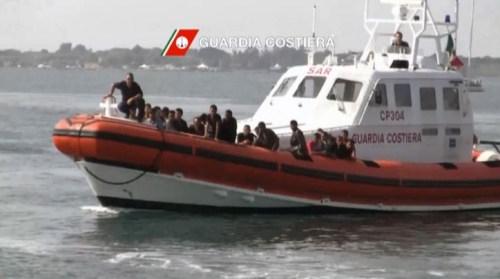 barconi guardia costiera migranti rifugiati sprar stranieri glocal