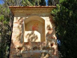 IMG 20170716 155918 resized 300x225 - Depredata edicola sacra a Solomeo, i ladri portano via i mattoni