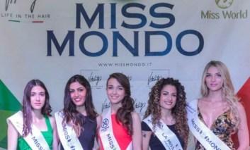 Miss Mondo Umbria: ecco la vincitrice e le altre bellezze sul podio