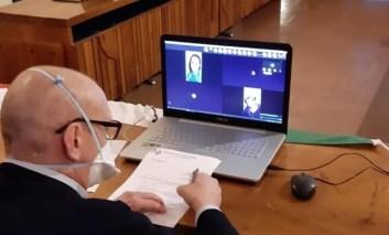 Coronavirus, il consiglio comunale di Corciano si riunisce in videoconferenza: è il primo in Umbria