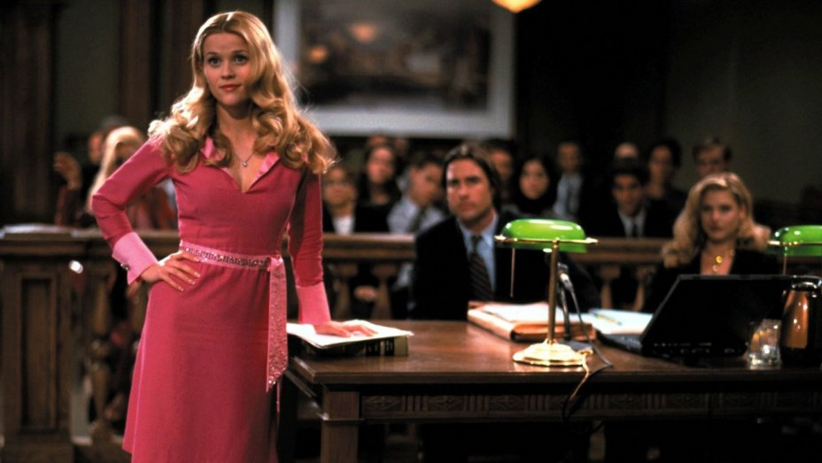 elle woods in court room