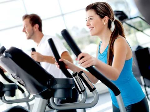 Risultati immagini per uomo e donna che si allenano