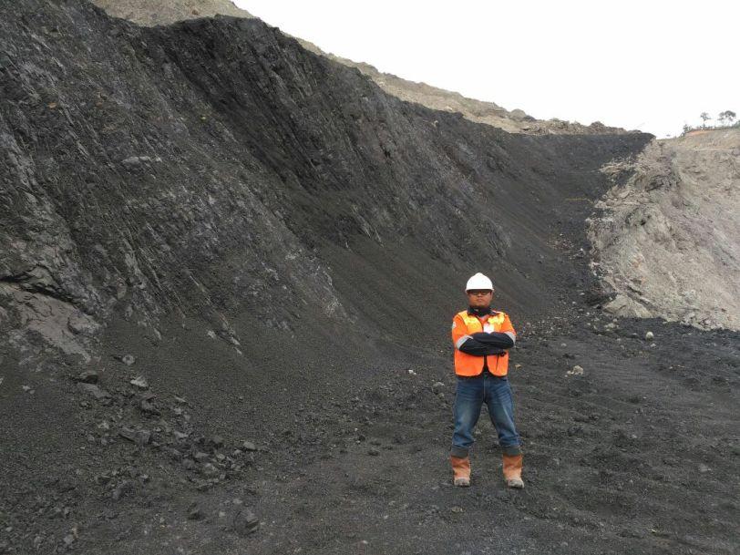 Chrome ore stocks
