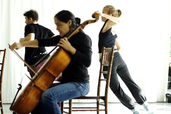 Speaking in Ligeti dancers and violist