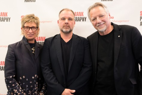 Stephen Waddell (centre), winner of the 2019 Scotiabank Photography Award, with Barb Mason, Chief Human Resources Officer, Scotiabank, and Edward Burtynsky, Co-founder of the award. Photo: Jamal Burger