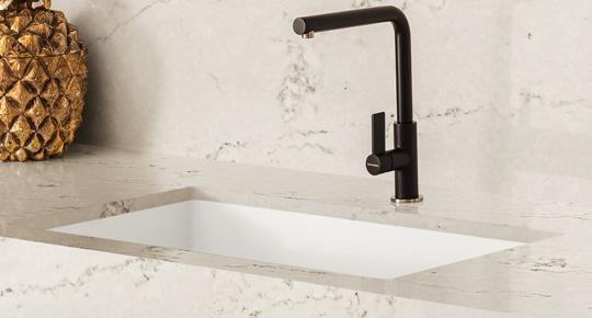 corian kitchen sinks period cabinets 水槽 可丽耐 石英石 多种颜色 款式和风格的水槽可供您选择 搭配可丽耐 石英石台面 让您的厨房超强耐用 历久弥新