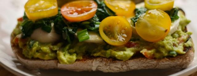 Toast cu guacamole, mozzarella si spanac 2
