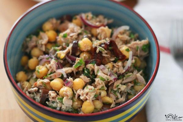 salata mediteraneana cu ton cu naut