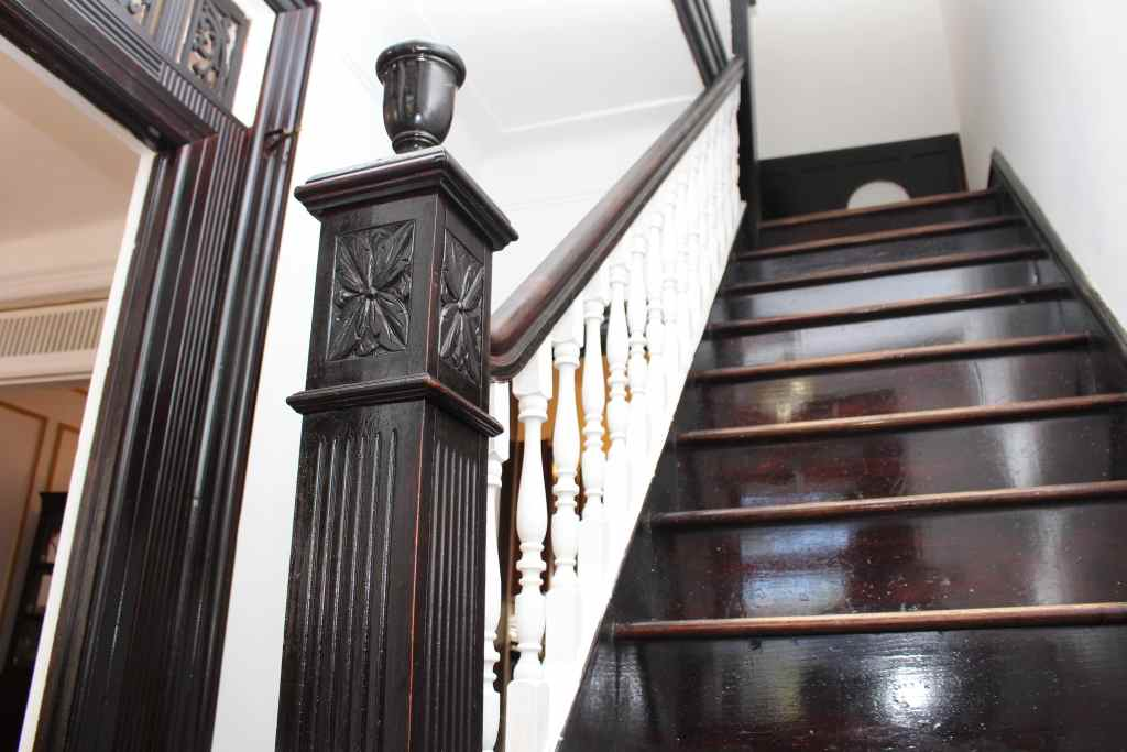 staircase at 1237 union st crg1103
